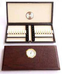 Leather hygrocase for 16 oboe reeds
