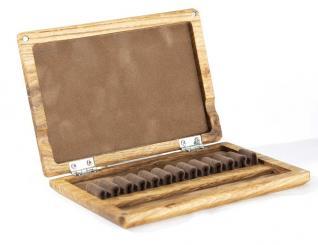 Wooden case for 12 oboe reeds - oak/coffee